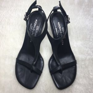 Couture by Donald J Pliner Made in Italy size 7.5M